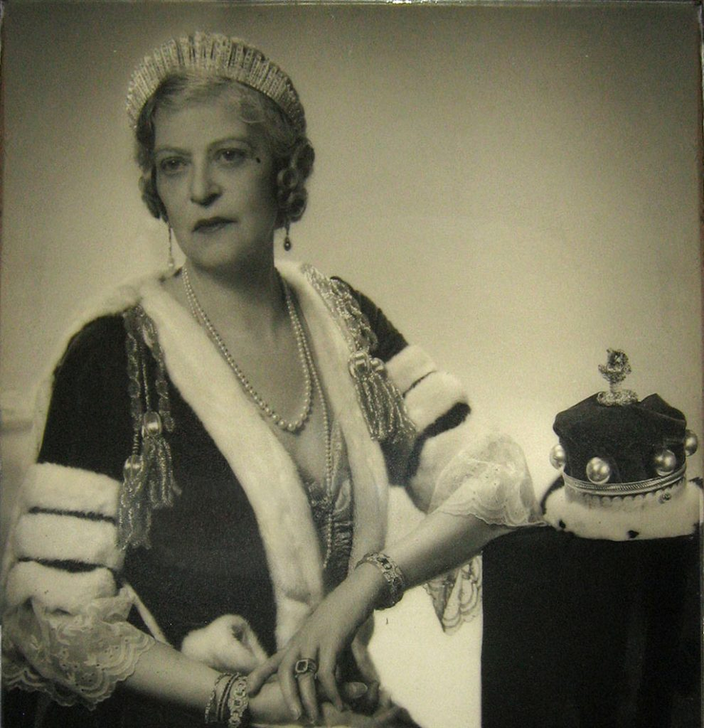 Vintage photo of woman in jewels and fur